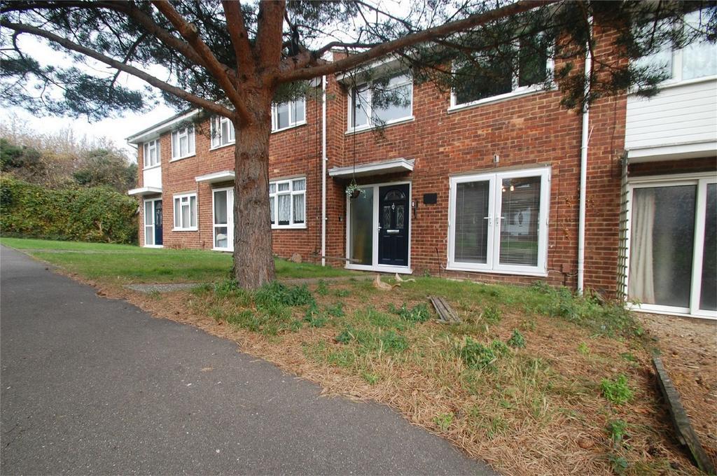 3 Bedrooms Terraced House for sale in Broadway, Gillingham, Kent