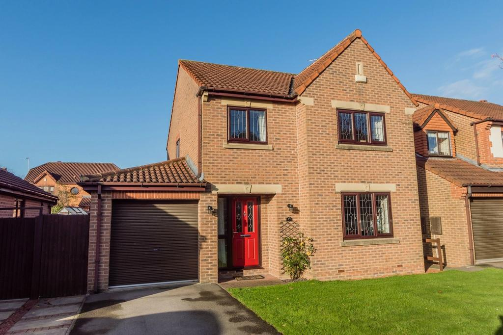 4 Bedrooms Detached House for sale in Alness Drive, Woodthorpe, YORK