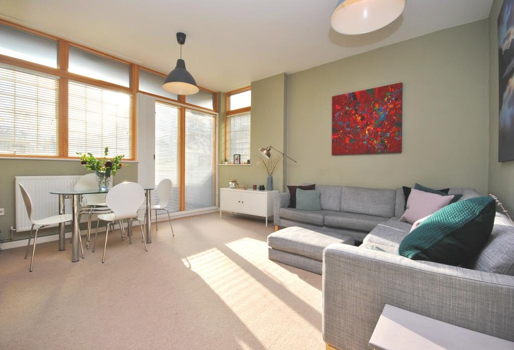 2 Bedrooms Flat for sale in Wyndham Road Camberwell SE5