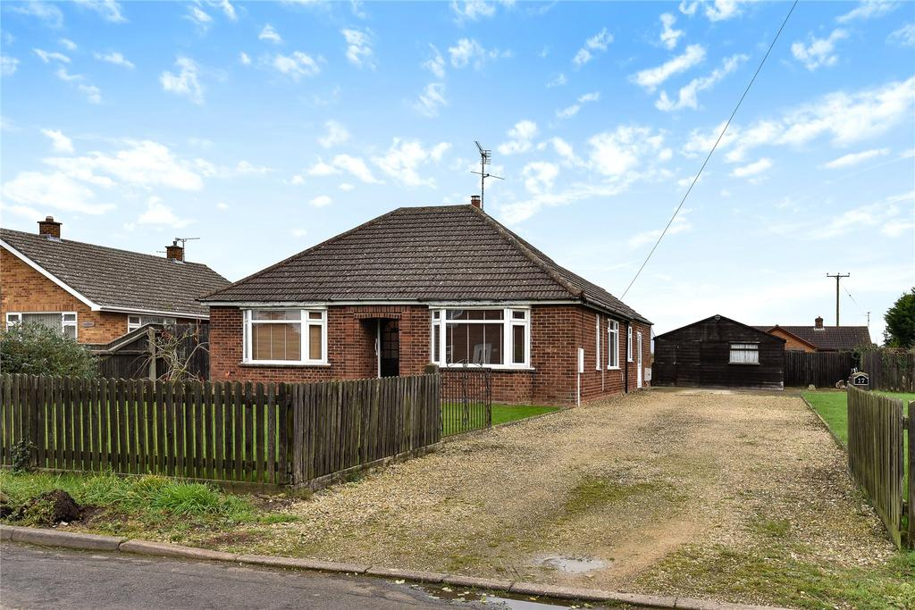 3 Bedrooms Detached Bungalow for sale in Cranmore Lane, Holbeach, PE12