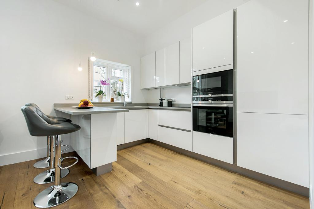 1 Bedroom Flat for sale in Algernon Road, NW6
