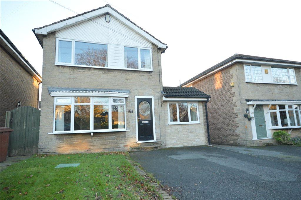 3 Bedrooms Detached House for sale in Carr Road, Calverley, Pudsey, West Yorkshire