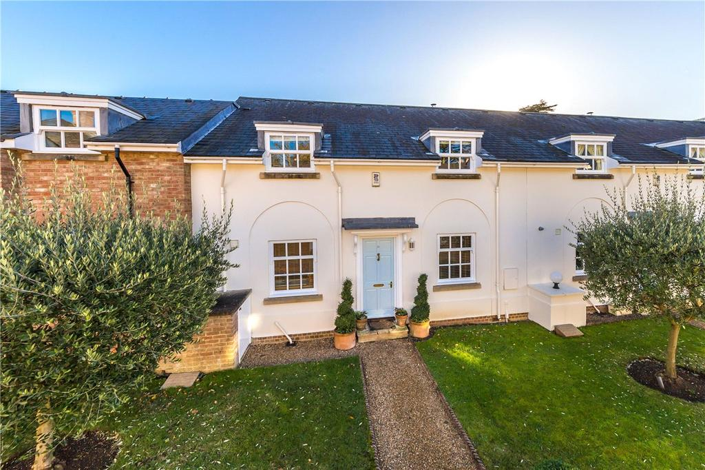 4 Bedrooms Terraced House for sale in Danesbury Park, North Ride, Welwyn, Hertfordshire