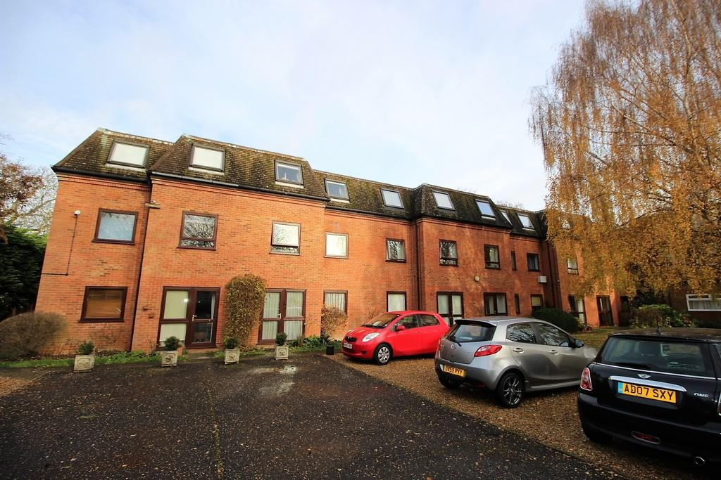 1 Bedroom Ground Flat for sale in Harvey Goodwin Gardens, Cambridge
