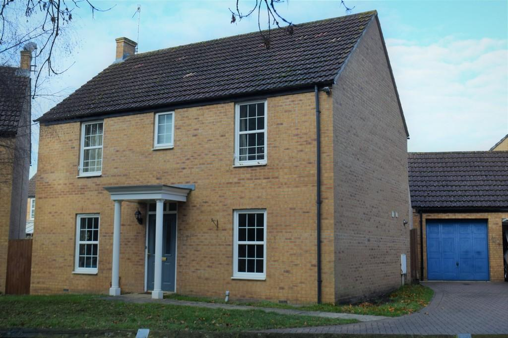 4 Bedrooms Detached House for sale in Alder Covert, Thetford