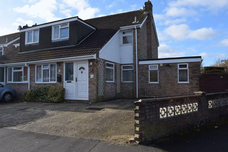4 Bedrooms Semi Detached House for sale in Studley Avenue, Southampton