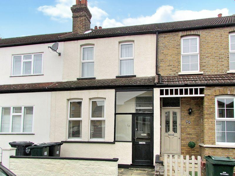 2 Bedrooms Terraced House for sale in Beaconsfield Road, Bexley
