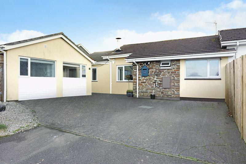 5 Bedrooms Semi Detached Bungalow for sale in Long A Row Close, Crackington Haven