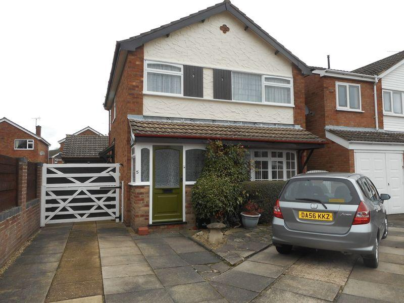 3 Bedrooms Detached House for sale in Mossdale Crescent, Nuneaton