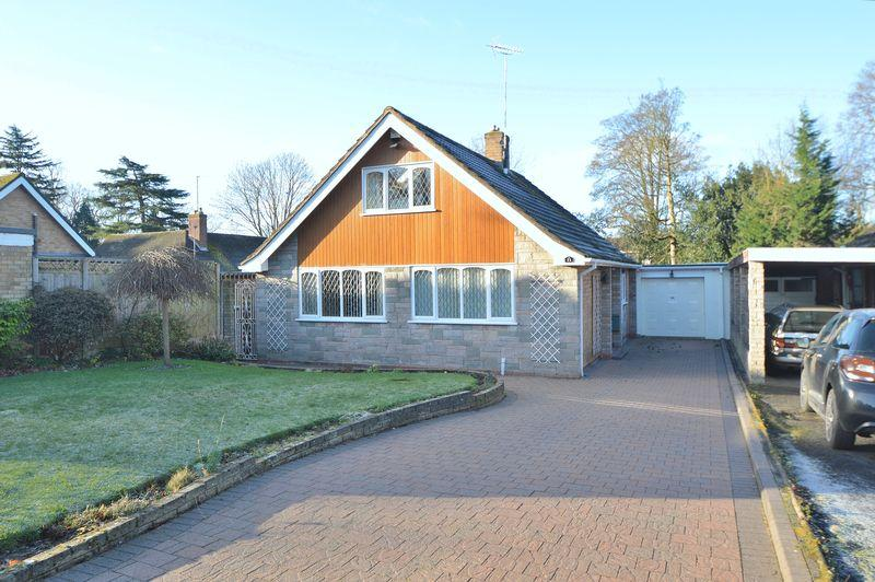 3 Bedrooms Detached Bungalow for sale in Willow End, Wollescote, Stourbridge
