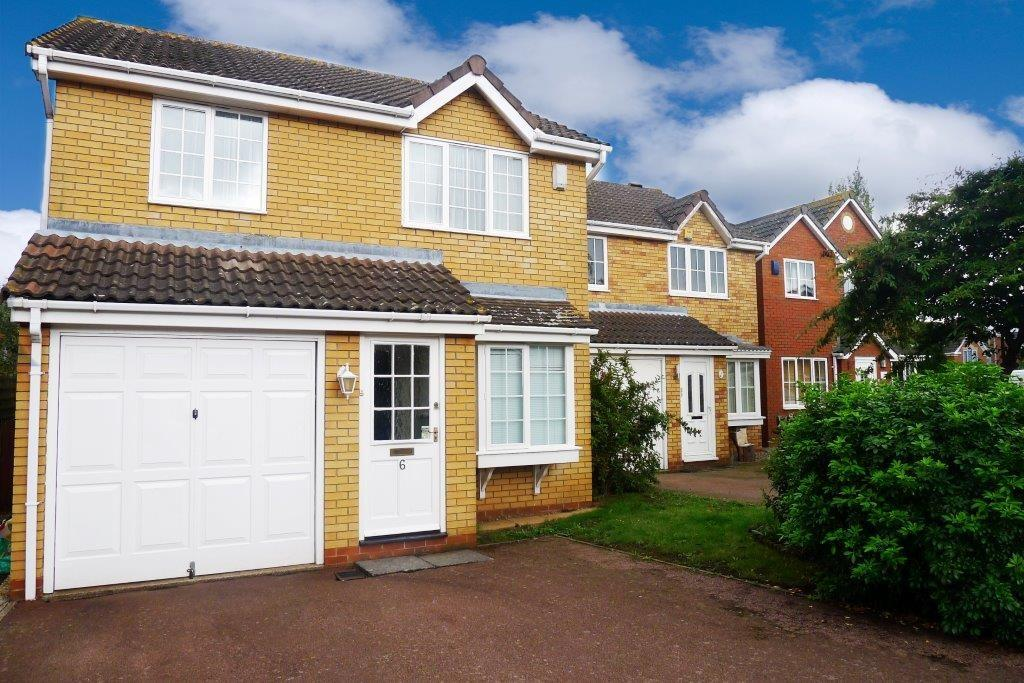 3 Bedrooms Detached House for rent in Foxglove Drive, Biggleswade, SG18