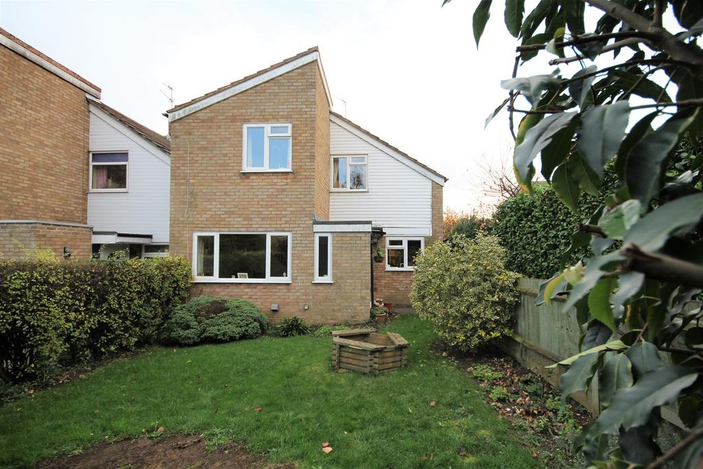 3 Bedrooms Link Detached House for sale in Manor Close, Clifton, Shefford, SG17