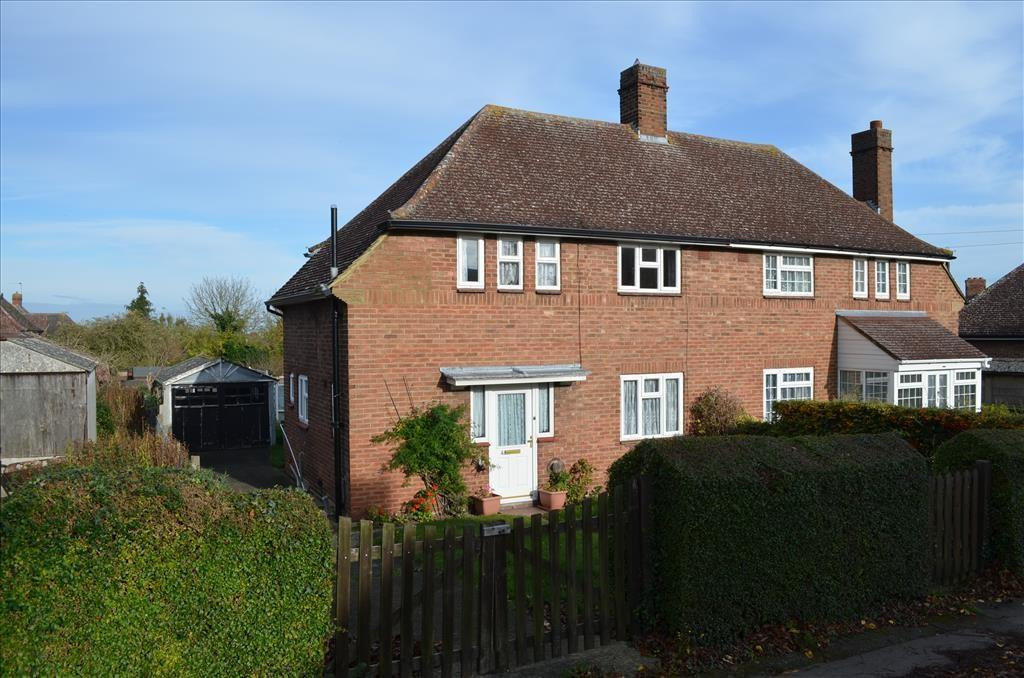 3 Bedrooms Semi Detached House for sale in Coronation Avenue, ROYSTON, SG8