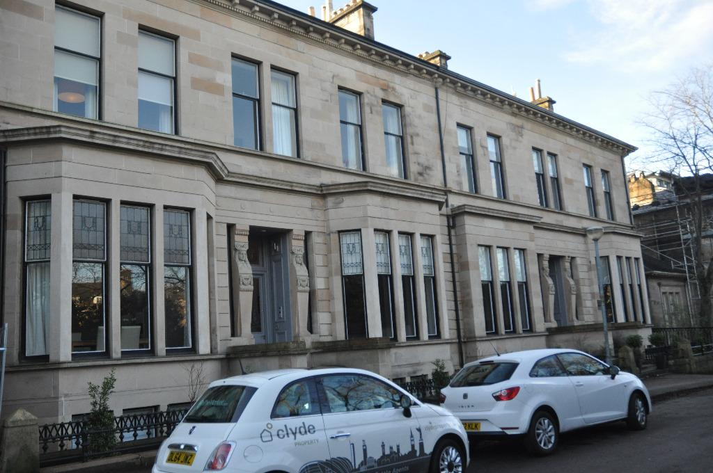 3 Bedrooms Flat for rent in Lancaster Terrace, Flat 1/1, Dowanhill, Glasgow, G12 0UT