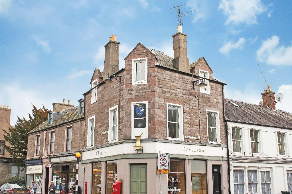 3 Bedrooms Maisonette Flat for sale in The Doric, The Cross, Coupar Angus, Perthshire, PH13 9DA