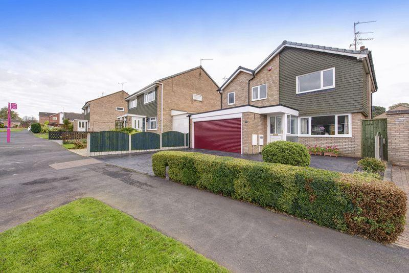 3 Bedrooms Detached House for sale in CATTERICK DRIVE, MICKLEOVER