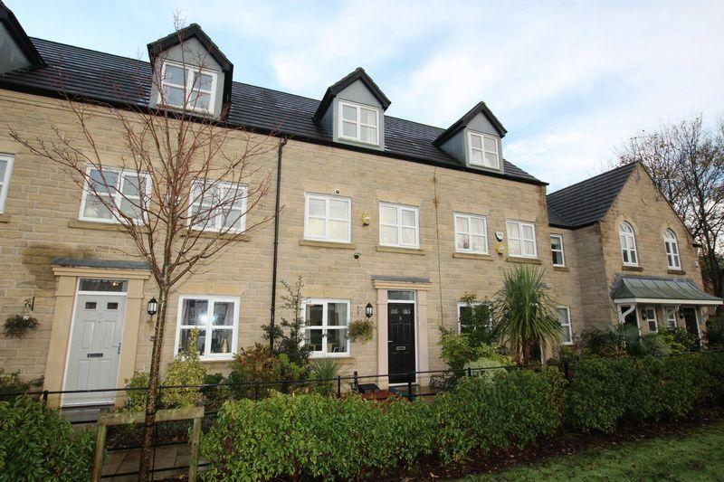 3 Bedrooms Mews House for sale in Viscount Drive, Middleton M24 4JT