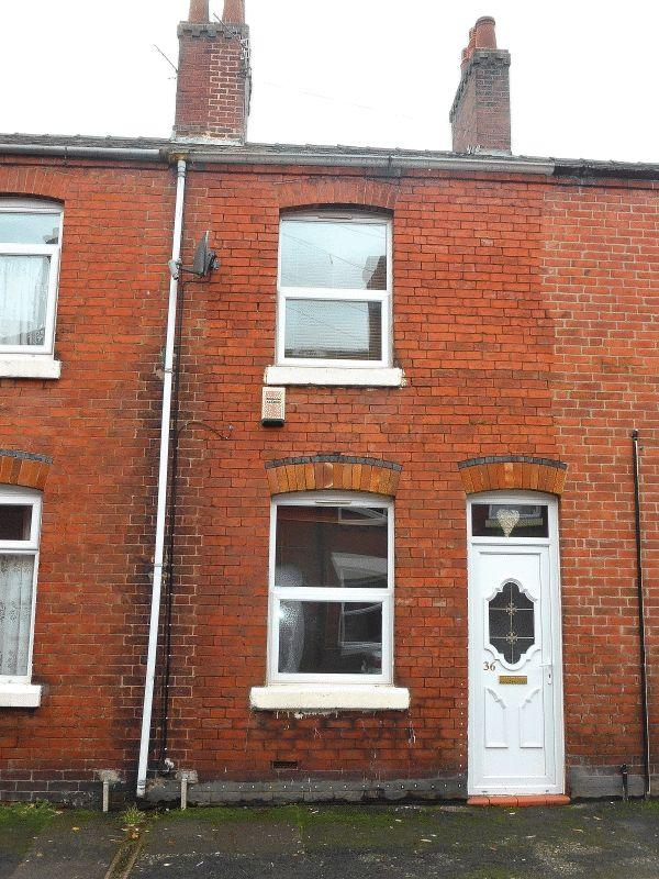 2 Bedrooms Terraced House for sale in Wellington Street, Leek