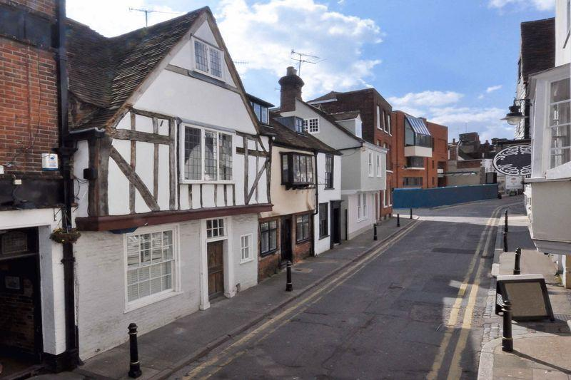 4 Bedrooms Town House for sale in Canterbury