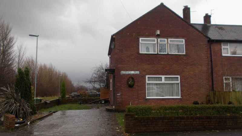 3 Bedrooms Semi Detached House for sale in Bankfield Drive, Oldham