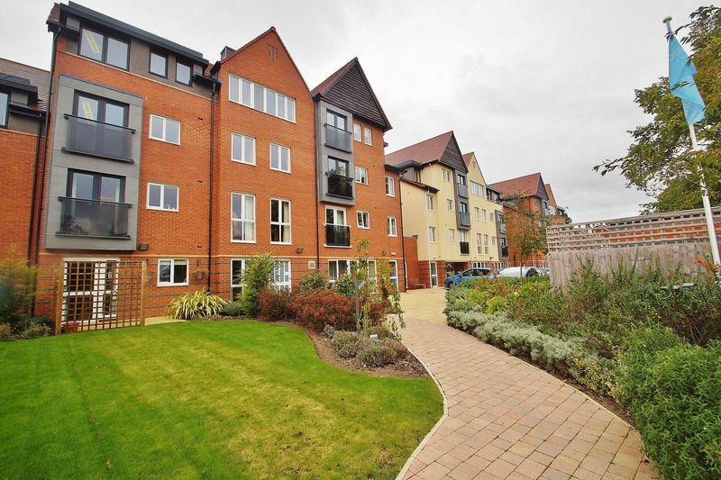 1 Bedroom Apartment Flat for sale in Cambridge Road, Southport