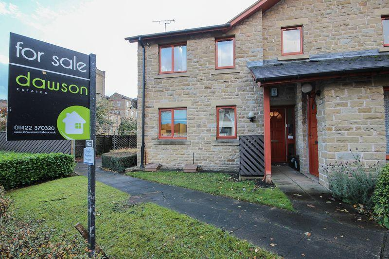 2 Bedrooms Apartment Flat for sale in Fox Court, Halifax