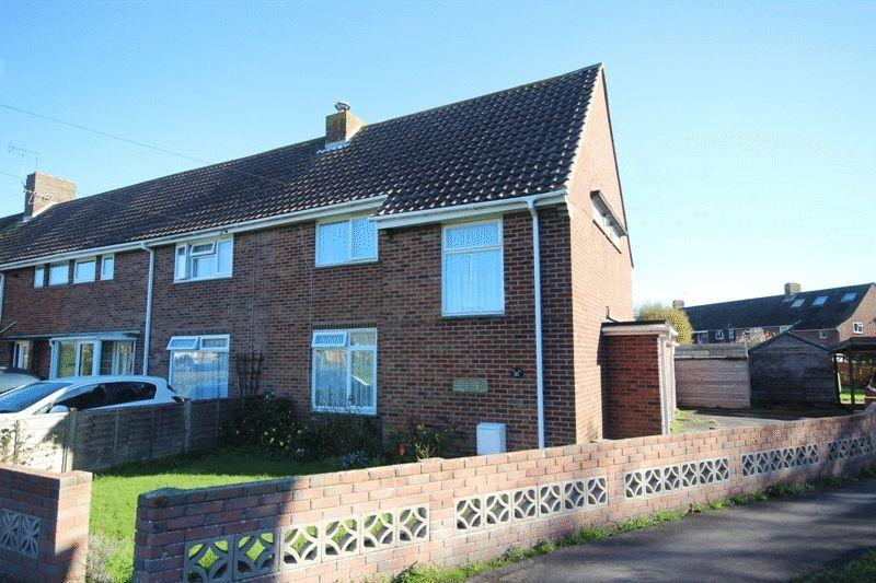 2 Bedrooms Terraced House for sale in CHRISTCHURCH