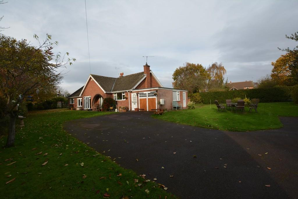 3 Bedrooms Detached Bungalow for sale in Fieldsend, Southwell Road