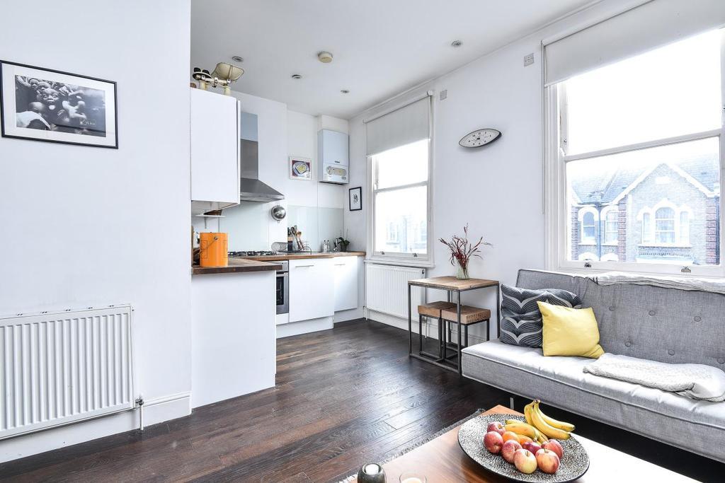 2 Bedrooms Flat for sale in Gillespie Road, Highbury
