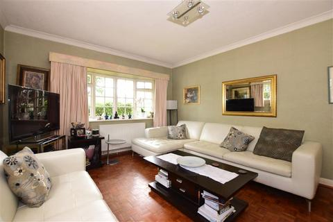 4 bedroom semi-detached house for sale - Downs Valley, Hartley, Longfield, Kent