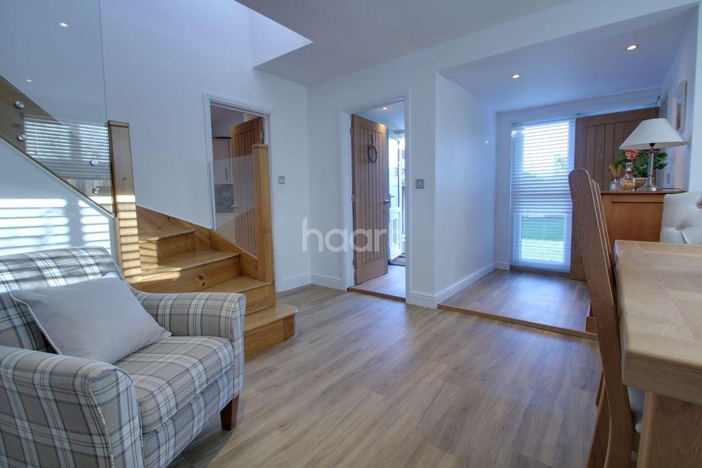 4 Bedrooms Detached House for sale in Emneth