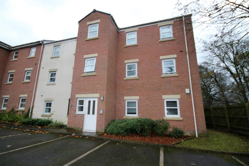 2 Bedrooms Flat for sale in Cunningham Court, Sedgefield, Stockton-On-Tees