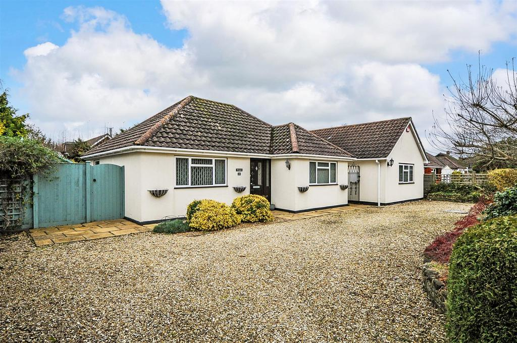 4 Bedrooms Detached Bungalow for sale in Downview Road, Barnham