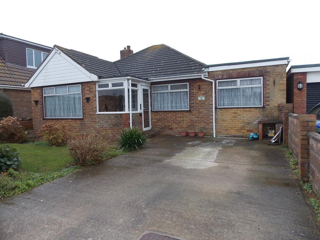 4 Bedrooms Detached Bungalow for sale in Rowe Avenue, Peacehaven, East Sussex