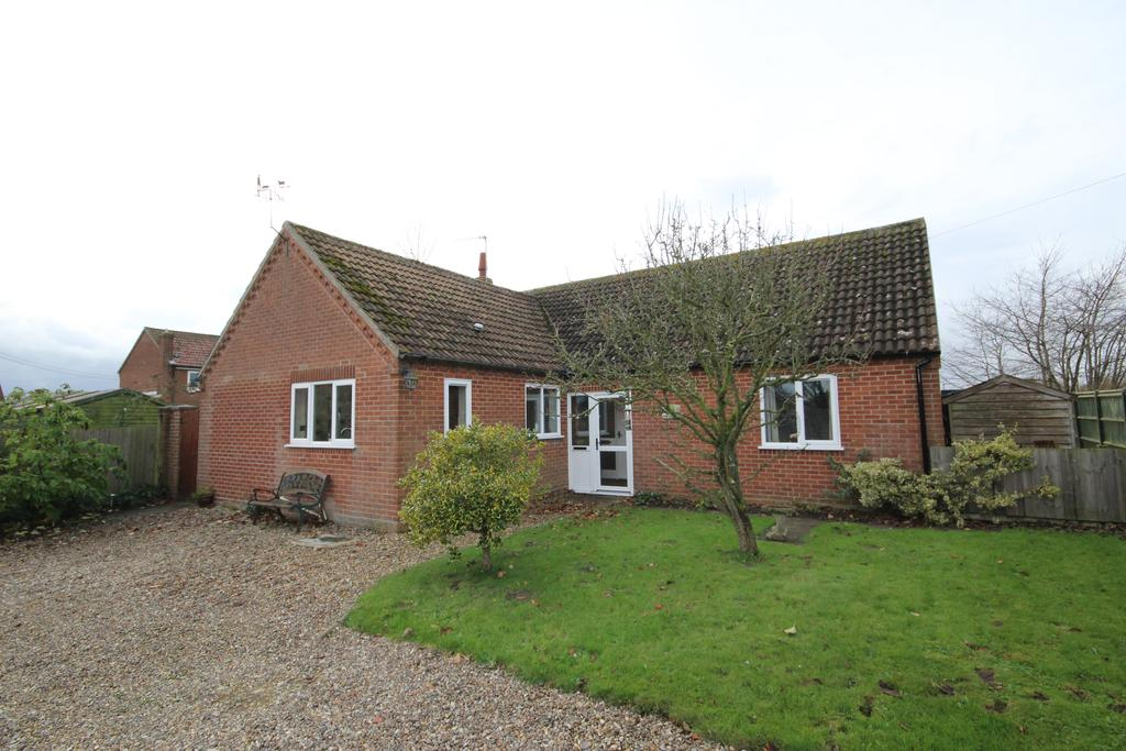 3 Bedrooms Detached Bungalow for sale in Arawak, The Street, Barney, Fakenham NR21