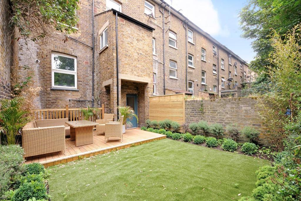 2 Bedrooms Flat for sale in Camberwell New Road, Camberwell