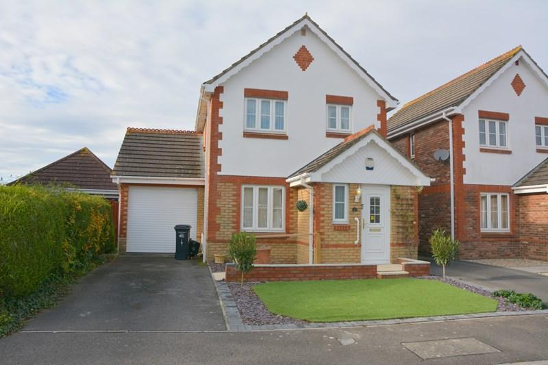 3 Bedrooms Link Detached House for sale in Cheddar Close, Burnham-On-Sea