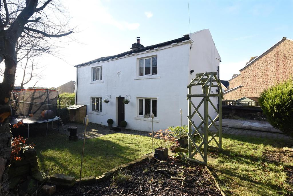 3 Bedrooms Detached House for sale in Jester Cottage, Mountain, Queensbury