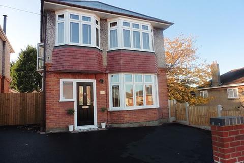 3 bedroom detached house for sale - Gresham Road, Bournemouth