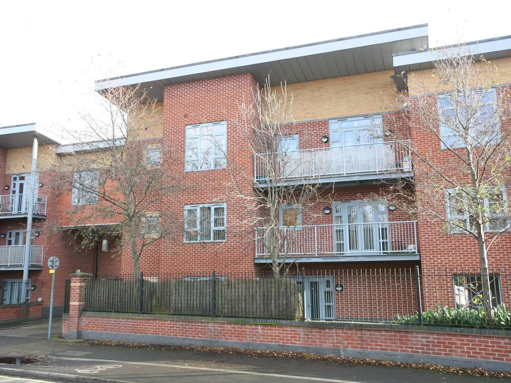 2 Bedrooms Apartment Flat for sale in 24 Riverside Court, Girton Road, Cannock, WS11 0EN