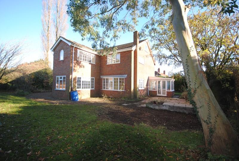 4 Bedrooms Detached House for rent in Flaxlands Road, Carleton Rode, Norwich