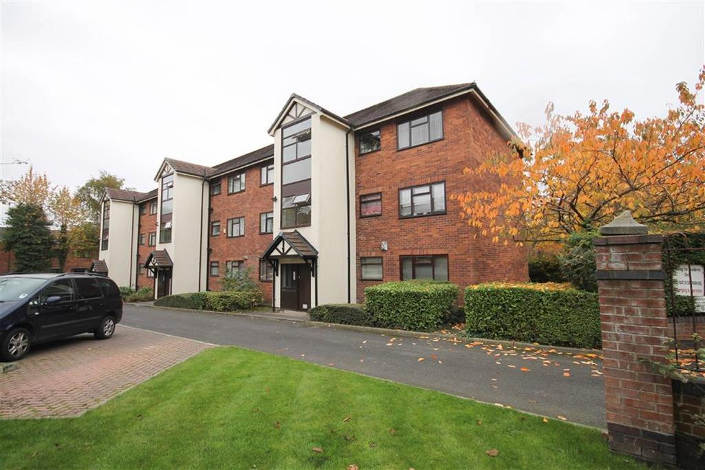3 Bedrooms Flat for sale in Northumberland Crescent, Old Trafford, Manchester