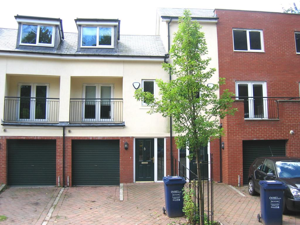 4 Bedrooms Town House for rent in St Catherines Court, Sandyford, Newcastle upon Tyne NE2