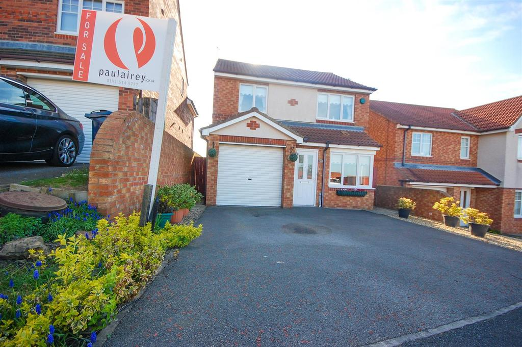 3 Bedrooms Detached House for sale in Dyrham Close, Tunstall Grange, Sunderland