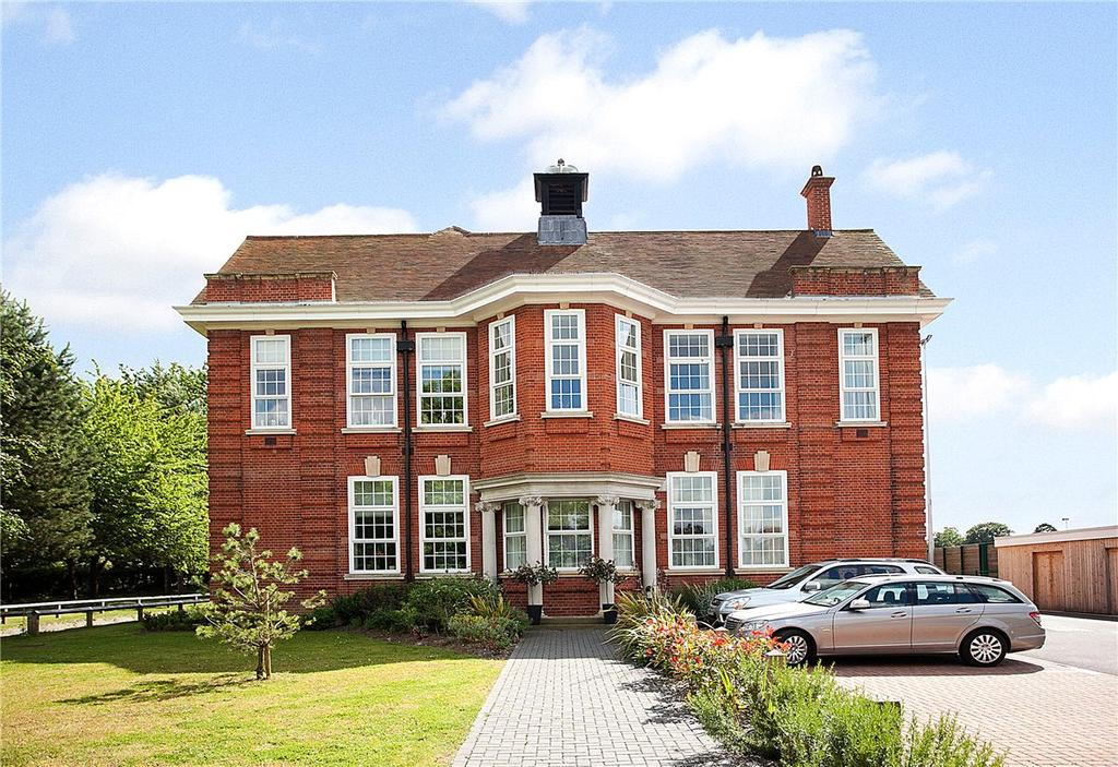 1 Bedroom Apartment Flat for sale in Luker Court, Ireland Drive, Newbury, Berkshire, RG14