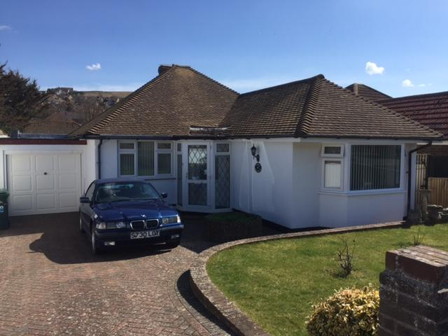 2 Bedrooms Semi Detached Bungalow for sale in Saltdean