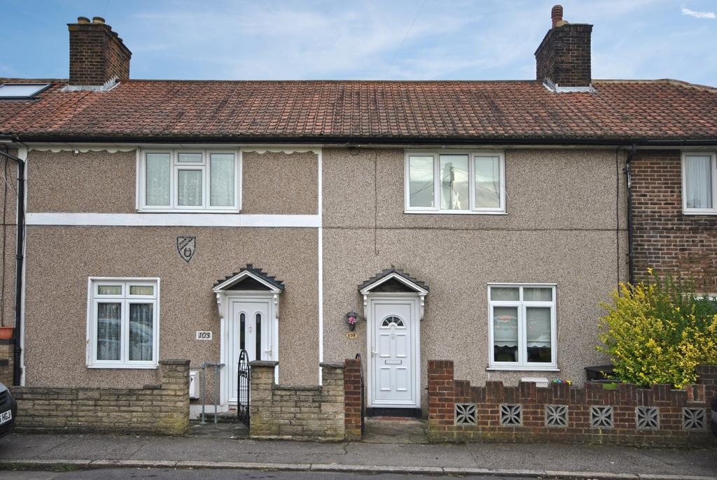 3 Bedrooms Terraced House for sale in Launcelot Road Bromley BR1