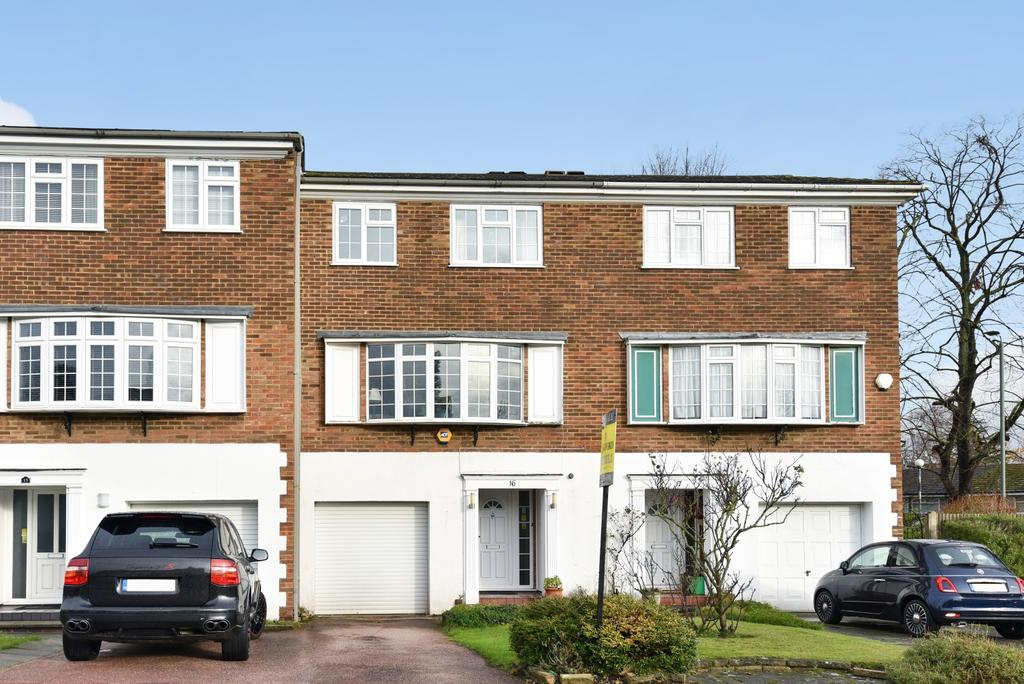 3 Bedrooms Town House for sale in Reynard Close Bromley BR1