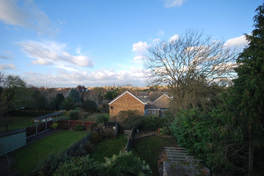 1 Bedroom Flat for sale in Park Avenue Bromley BR1