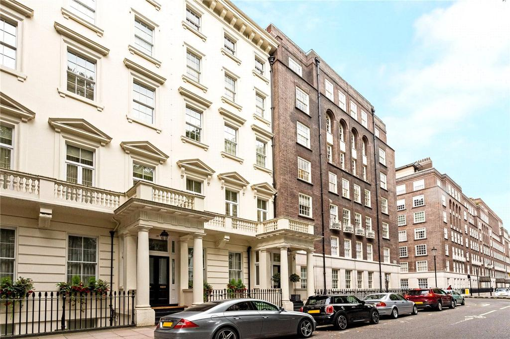 2 Bedrooms Flat for sale in 42, Lowndes Square, Belgravia, London